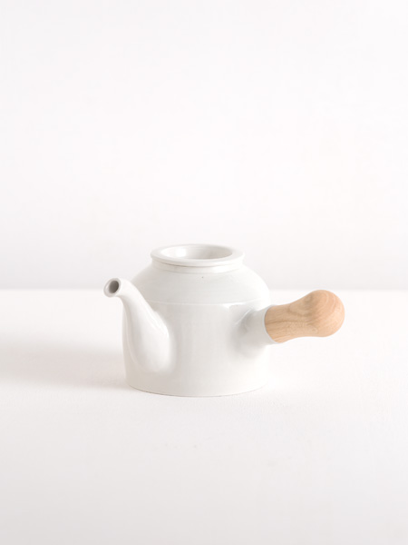 kyusu with wooden handle